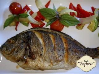 Рыба Дорадо жареная с овощами
