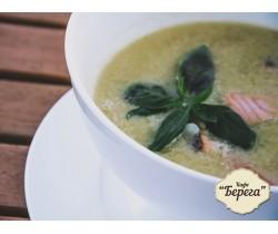 Сливочный суп с семгой и домашней лапшой